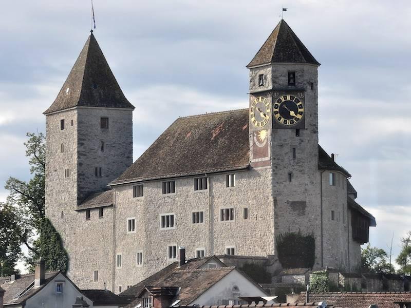 Rapeprswil Castle-800